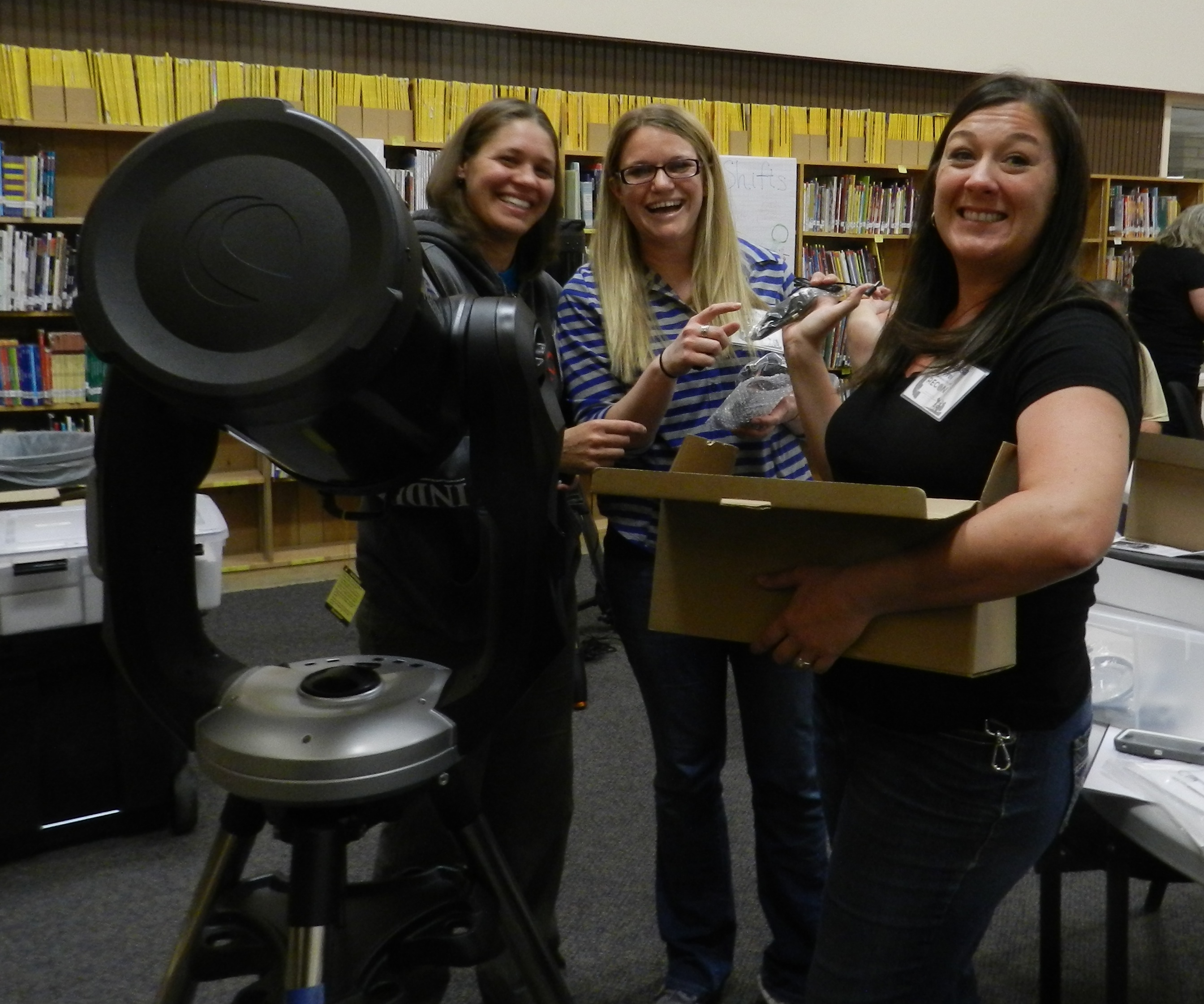 Lake Havasu City teachers show off their telescope