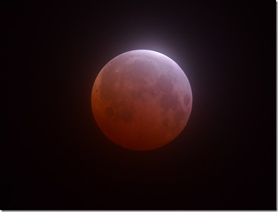 Image of 4 April 2015 lunar eclipse taken by Buck Bateson in Susanville