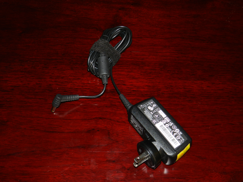 Laptop power supply. This unit provides 19V power.